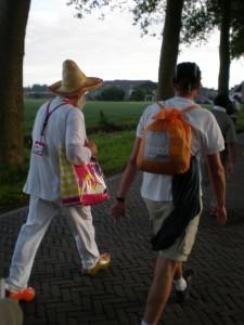 Personaj in clogs , incaltare specifica olandeza